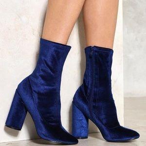 Blue Velvet Madden Girl heel boots!💙